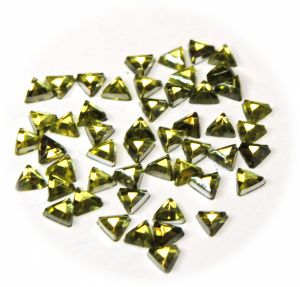 Kamínky trojúhelník zelená světlá